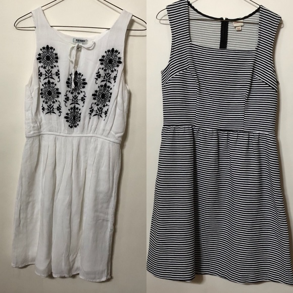 a7b8a5c3096 2 Sleveless Summer Dresses  Target   Old Navy. M 5abc05318290af9ab29c2a25